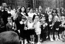 Mokiniai Rugsėjo 1-ąją prie J. Biliūno kapo - Nuotraukos autorius: Girčys Izidorius