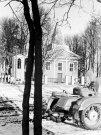 Raguvėlės bažnyčia ir motociklas - Nuotraukos autorius: Girčys Izidorius