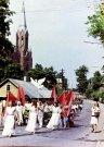 Vasaros šventė - eisena pro bažnyčia - Nuotraukos autorius: Girčys Izidorius