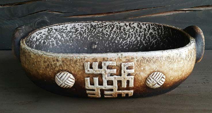 """Keramikos pamokėlė tema """"Baltų raštai ir ženklai"""""""