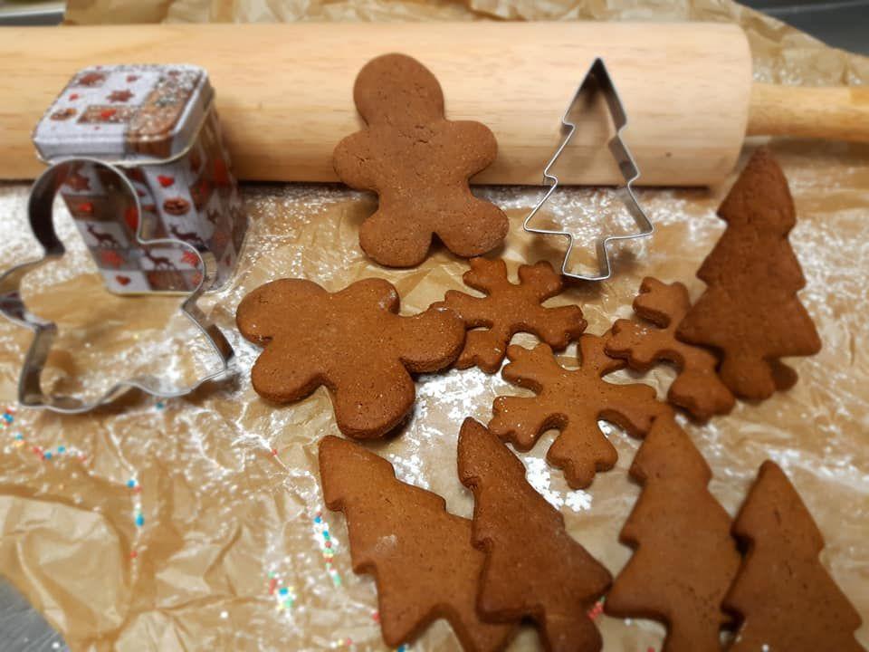 Meduolinių sausainių puošimas