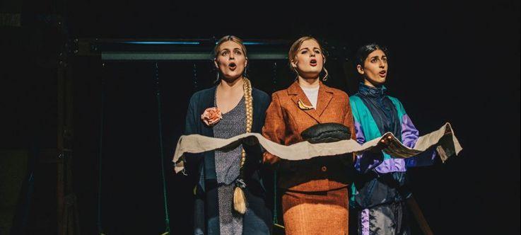 """Nacionalinės dramaturgijos festivalis """"Pakeleivingi"""" (2019) / Kauno miesto kamerinis teatras """"Niggaz"""""""