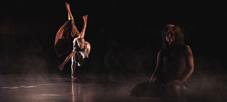 """Nacionalinės dramaturgijos festivalis """"Pakeleivingi"""" (2019) / Šeiko šokio teatras """"Nakties mirgėjimas"""""""
