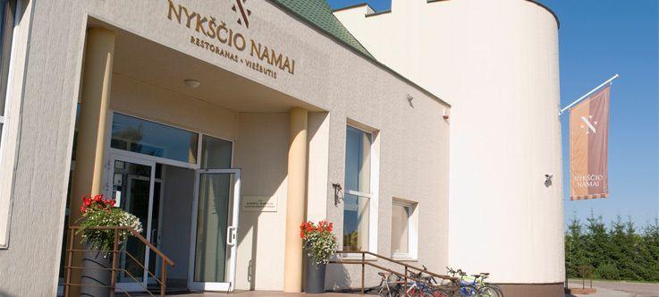 """Viešbutis ir restoranas """"NYKŠČIO NAMAI"""""""