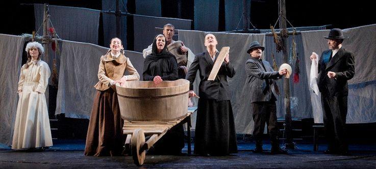 """Nacionalinės dramaturgijos festivalis """"Pakeleivingi″ (2014) - Algirdas Latėnas """"Trys mylimos"""""""