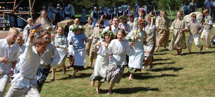 """36-oji Respublikinė tradicinės kultūros ir žirgų sporto šventė """"Bėk bėk, žirgeli!"""" (2015)"""