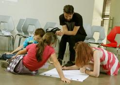 Edvinas Gogelis dirba su vaikais