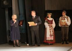 Anykščių Kultūros centro direktorė Dijana Petrokaitė ir Anykščių miesto meras Kęstutis Tubis