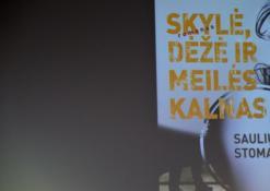 """2016 03 16 - Susitikimas su Sauliumi Stoma ir jo knygos """"Skylė, dėžė ir meilės kalnas"""" pristatymas"""