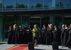 Festivalio svečius sveikina Anykščių kultūros centro vadovė Dijana Petrokaitė