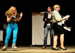 Aktoriai iš kairės į dešinę: Elita Medne, Andis Lacis (Latvija)