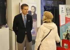 Andrius Tapinas bendrauja su renginio svečiais