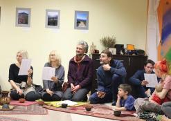 Renginio svečiai gieda lietuviškas sutartines