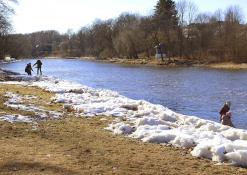Šventosios upė pavasarį