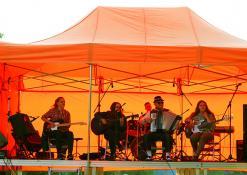 Anykščių muzikos mokyklos mokiniai: gitarų trio ir jazz rock kvartetas