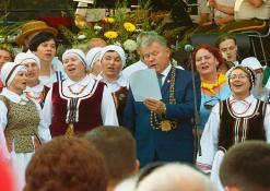 """Šimtas anykštėnų gieda Antano Baranausko """"Anykščių šilelį"""""""