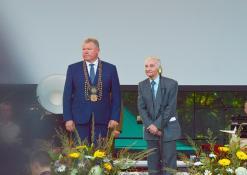 Meras Kęstutis Tubis su Anykščių rajono garbės piliečiu Ferdinandu Jakšiu