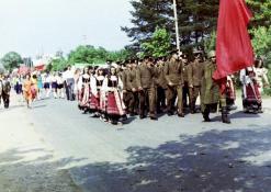 Vasaros šventė - eisenoje kareiviai