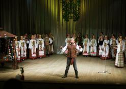 Šventinio koncerto akimirka, priekyje Žilvinas Pranas Smalskas