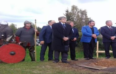 Šeimyniškėlių piliakalnio pilies statybų pradžios iškilmės - Anykščių miesto meras Kęstutis Tubis