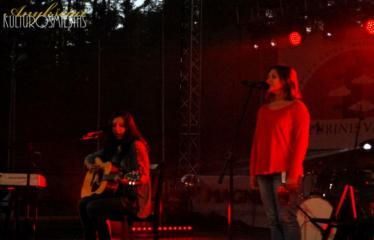 """Festivalis """"Purpurinis vakaras"""" (2014) - Didysis festivalio pabaigos koncertas """"Sugrįžimu vakaras"""" - Rugilė Urniežiūtė ir Greta Ruckytė"""
