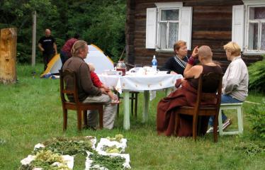 """Seminaras """"Vaistingos žiedų substancijos. Lietuviški smilkalai ir jų gydomosios paslaptys"""" - Mija Džeinara Ubartienė ir kolektyvas"""