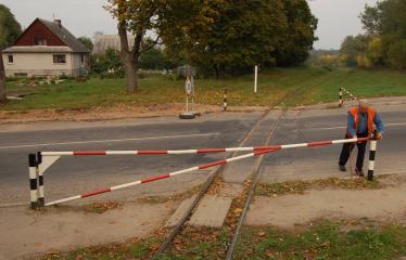 """Fotokonkursas """"Anykščiai ir apylinkės"""" (2006) - Siaurojo geležinkelio pervaža"""