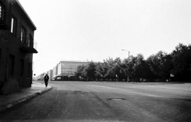 """Fotokonkursas """"Anykščiai ir apylinkės"""" (1976) - A. Baranausko aikštė"""