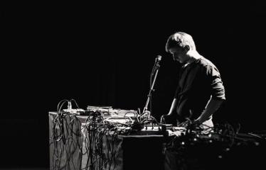 "Elektroninės muzikos festivalis ""The Machine Started To Flow Into A Vein (Vol. 5)"" - Lys"