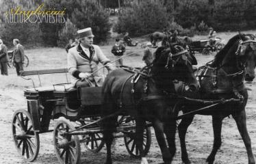 """Fotokonkursas """"Anykščiai ir apylinkės"""" (1980) - Bėk Bėk, Žirgeli!"""