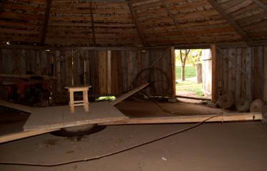 """Fotokonkursas """"Anykščiai ir apylinkės"""" (2006) - Arklio muziejus"""