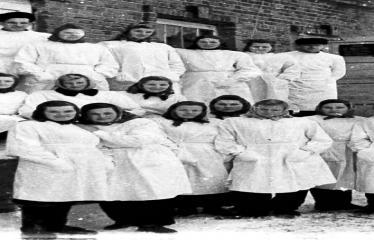 """Fotokonkursas """"Anykščiai ir apylinkės"""" (1953) - Anykščių pieninės darbuotojai"""