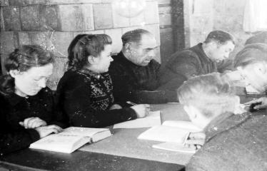 """Fotokonkursas """"Anykščiai ir apylinkės"""" (1953) - Akimirka"""
