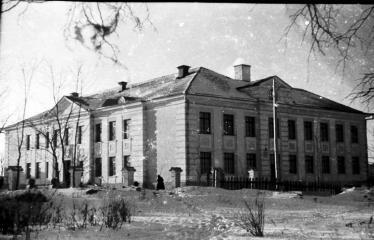 """Fotokonkursas """"Anykščiai ir apylinkės"""" (1954) - Anykščių vidurinė mokykla"""