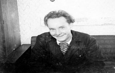 """Fotokonkursas """"Anykščiai ir apylinkės"""" (1957) - Aleksandras Dūda spaustuvėje"""