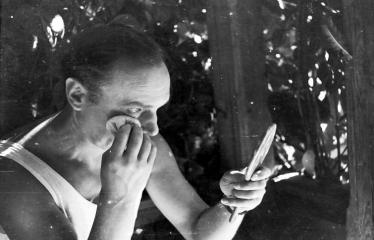 """Fotokonkursas """"Anykščiai ir apylinkės"""" (1957) - Režisierius, aktorius Napoleonas Bernotas"""