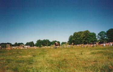 """17-oji Respublikinė tradicinės kultūros ir žirgų sporto šventė """"Bėk bėk, žirgeli!"""" (1996) - Šventės akimirkos"""