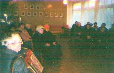 Susitikimas su rašytoju Kęstučiu Arlausku - Akordeonu groja Stanislovas Svirskas