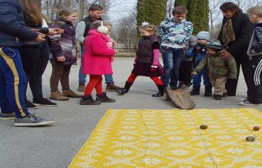 Naujųjų Elmininkų bendruomenė švenčia Vaikų Velykėles - Žaidimai