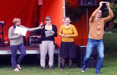 Jaunųjų kūrėjų dienos - Vasaros palydėtuvės su grupe FUSEDMARC - Projekto apdovanojimų akimirka
