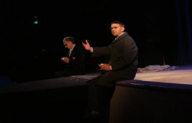 """Nacionalinės dramaturgijos festivalis """"Pakeleivingi″ (2016) - Rolandas Kazlas """"Atrask mane"""" - Aktoriai Deivis Serapinas ir Rolandas Kazlas"""
