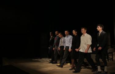 """Nacionalinės dramaturgijos festivalis """"Pakeleivingi″ (2016) - Rolandas Kazlas """"Atrask mane"""" - Aktorių nusilenkimas po spektaklio"""