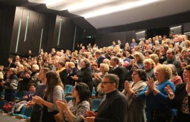 """Nacionalinės dramaturgijos festivalis """"Pakeleivingi″ (2016) - Rolandas Kazlas """"Atrask mane"""" - Publika"""