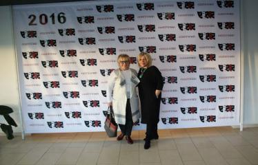 """Nacionalinės dramaturgijos festivalis """"Pakeleivingi″ (2016) - Gabrielė Tuminaitė """"Bedalis ir labdarys"""" - Dijana Petrokaitė su festivalio svečių"""