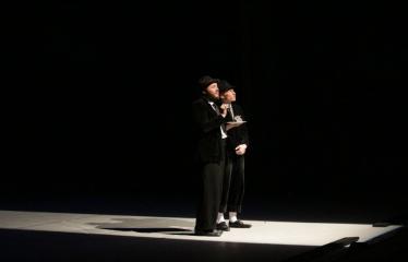 """Nacionalinės dramaturgijos festivalis """"Pakeleivingi″ (2016) - Agnė Dilytė """"Korektūros klaida"""" - Spektaklio akimirka"""