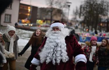 Miesto eglės įžiebimas - Kalėdų senelis