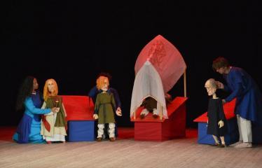 """Tarptautinis mėgėjų teatrų festivalis """"ARTimi"""" (2016) - Festivalio atidarymas - Spektaklio """"Svajų paukštis"""" akimirka (Prancūzija)"""