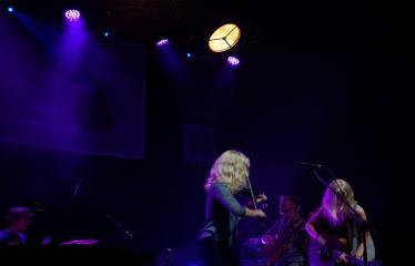 """Festivalis """"Purpurinis vakaras"""" (2016) - Penktadienio vakaro koncertas - Grupė """"BALTOS VARNOS"""""""