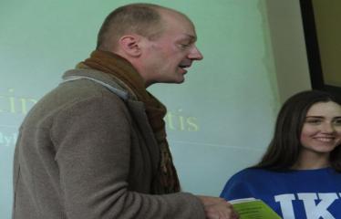 Seimo nario, konservatorius Roko Žilinsko viešojo kalbėjimo pamoka - Paskaitos akimirka, priekyje paskaitos vedėjas Rokas Žilinskas