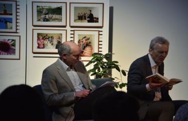 """Susitikimas su Sauliumi Stoma ir jo knygos """"Skylė, dėžė ir meilės kalnas"""" pristatymas - Renginio akimirka"""